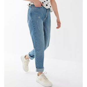 BDG Mom Jeans with Distressing size 25